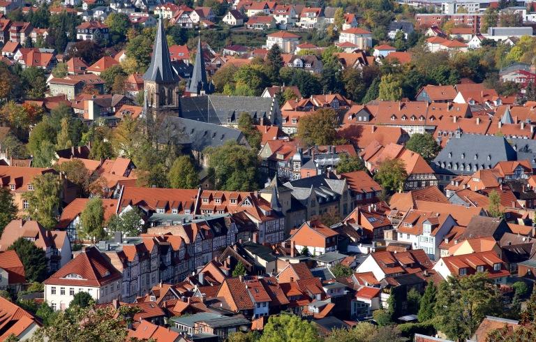 Uitzicht op de binnenstad van Wernigerode vanuit het kasteel.